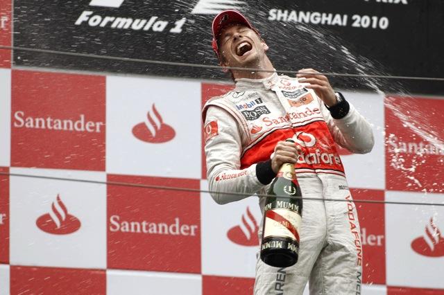 F1中国GP決勝、二転三転のレースは王者バトンが制しマクラーレン1-2、可夢偉はリタイア(5)