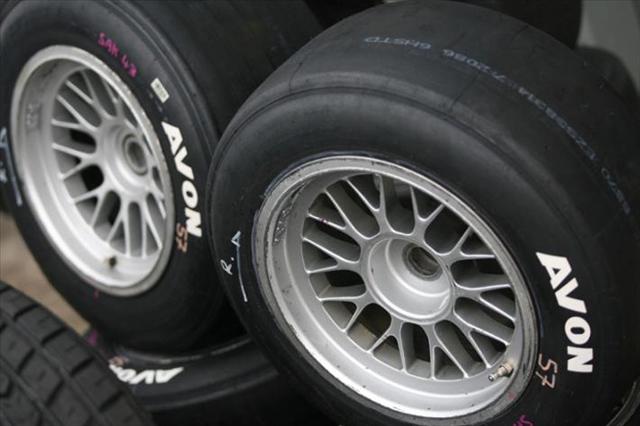 エイボンが来季F1タイヤサプライヤー候補に? BS関係者から残留すべきとの意見も(1)
