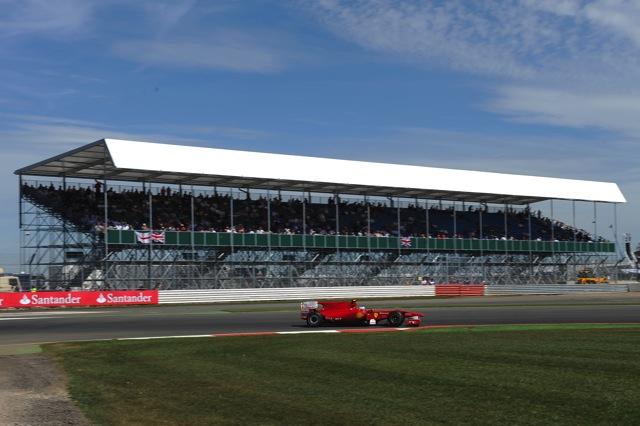 イギリスGP初日最速はウエーバーもフェラーリが追撃(1)