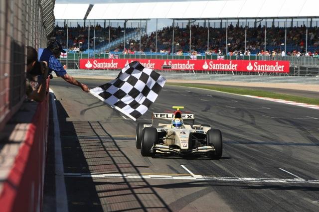 GP2第10戦はペレスが逆転で今季2勝目を飾る(2)