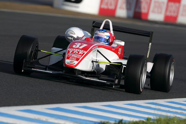 TDPドライバーの国本雄資が開幕10連勝の新記録達成(3)