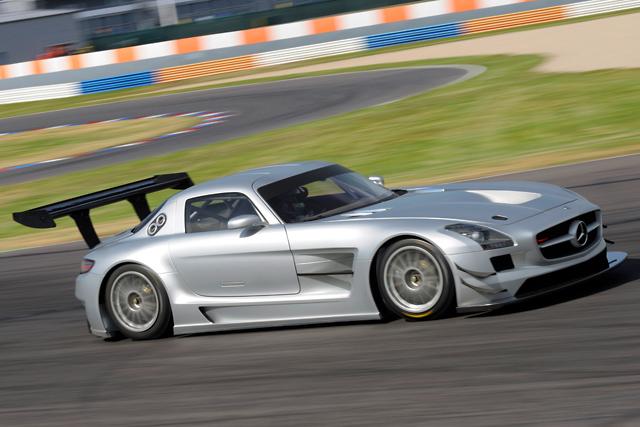 メルセデスSLS AMG GT3が実走テストを開始(3)