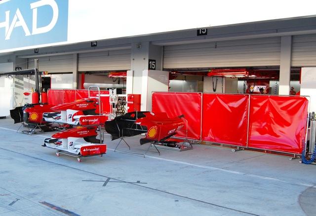 日本GPの舞台がほぼ完成、ドライバーも続々とサーキット入り