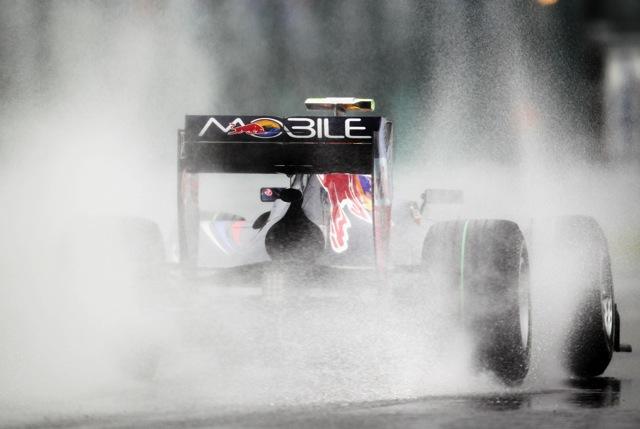韓国GP決勝はスタート3周で赤旗! レースは一時中断(1)