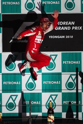 RBR全滅、波乱の韓国GPはアロンソが制す。可夢偉8位(2)