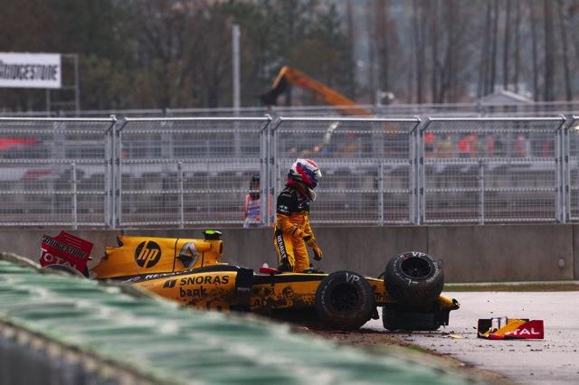 RBR全滅、波乱の韓国GPはアロンソが制す。可夢偉8位(5)