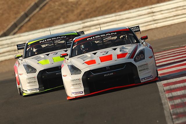 スイスレーシング、FIA GTナバーラは2台がリタイアに(1)