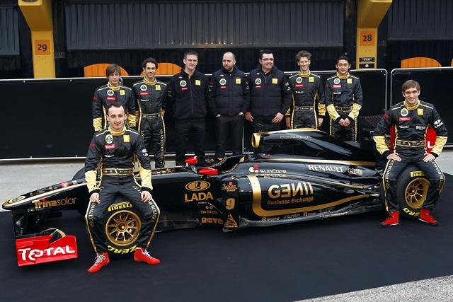 セナも加入の新生ロータス・ルノーGP、新車R31を披露(1)