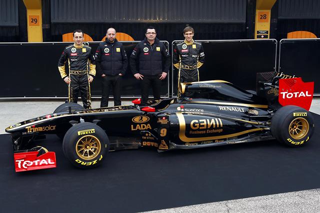 セナも加入の新生ロータス・ルノーGP、新車R31を披露(2)