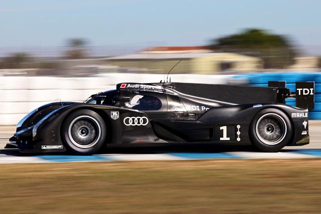 アウディ、新車R18とR15の3台をセブリングでテスト(5)