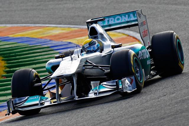 ニコ・ロズベルグがステアリングを握ったメルセデスGP W02のバレンシアでの初走行