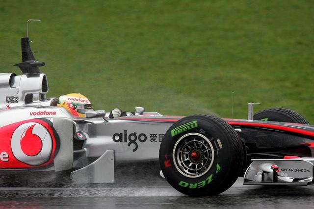 バルセロナ最終日:大雨の中ロズベルグが首位。HRT走れず(2)