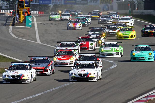 VLN開幕 BMW M3がメルセデスSLSを抑えワンツー勝利(2)