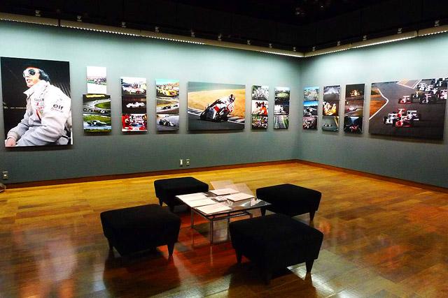 梅田で日本レース写真家協会40周年写真展開催(3)