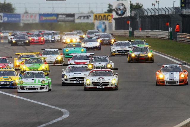 ポルシェ 911GT3RハイブリッドがVLNで勝利(2)