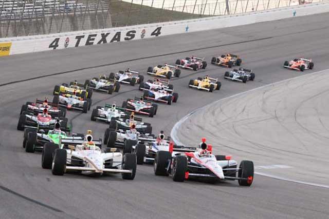 今週末のインディカーは2レース制で開催(1)
