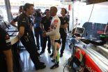 F1 | ハミルトン、新パーツ導入を見送ったチームを批判