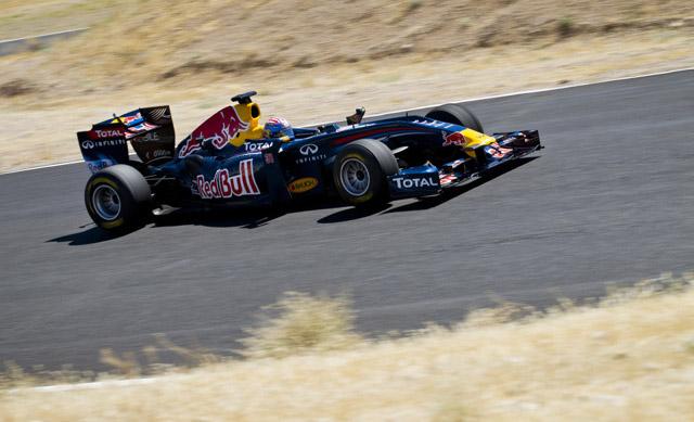 トム・クルーズがレッドブルF1をドライブ(3)