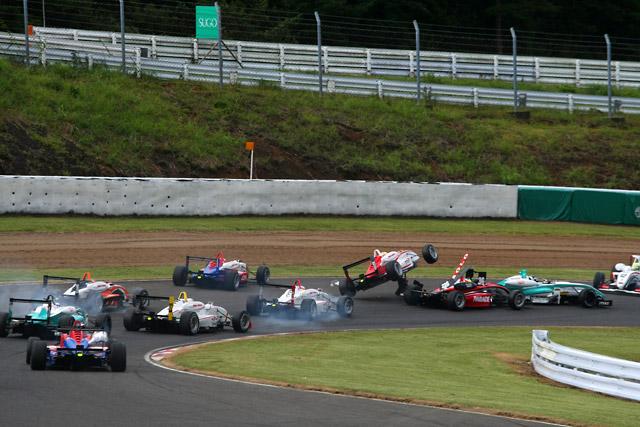 全日本F3第15戦:関口優勝。安田との差を詰める(2)
