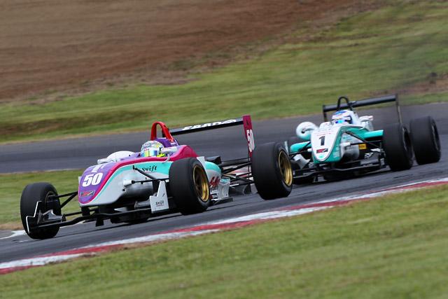 全日本F3:大逆転で関口&千代がタイトル獲得!(3)