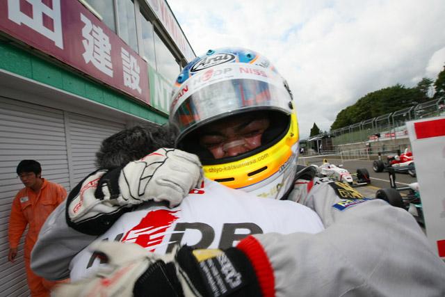全日本F3:大逆転で関口&千代がタイトル獲得!(4)