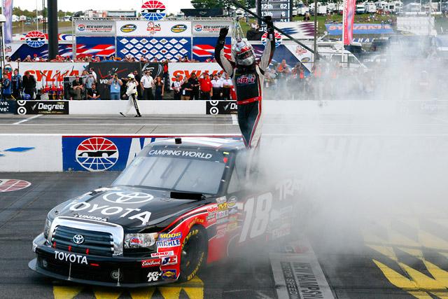 NASCARトラック:ブッシュが今季6勝目をマーク(1)