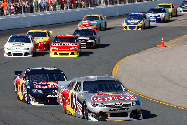 NASCARニューハンプシャー:ヴィッカーズが5位(1)