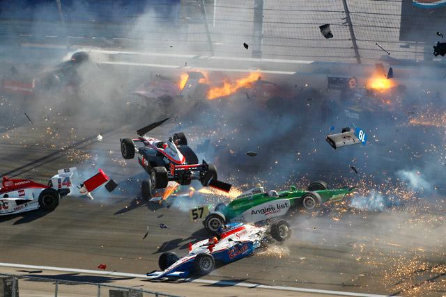 パワー、ラスベガスでの事故で圧迫骨折していた(1)