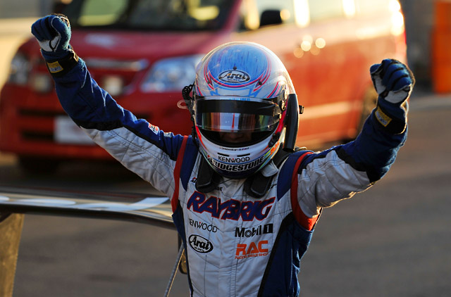 JAF GP:混乱のレース2は伊沢&RAYBRIGが優勝(1)