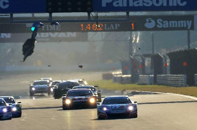 JAF GP:混乱のレース2は伊沢&RAYBRIGが優勝(6)
