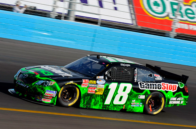 NASCAR NATIONWIDE:3台のカムリがトップ10に(1)