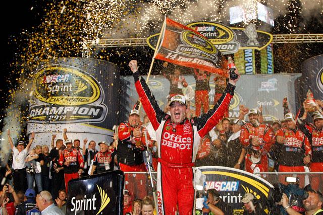 NASCAR最終戦は逆転で王座決定。トヨタは3位(1)