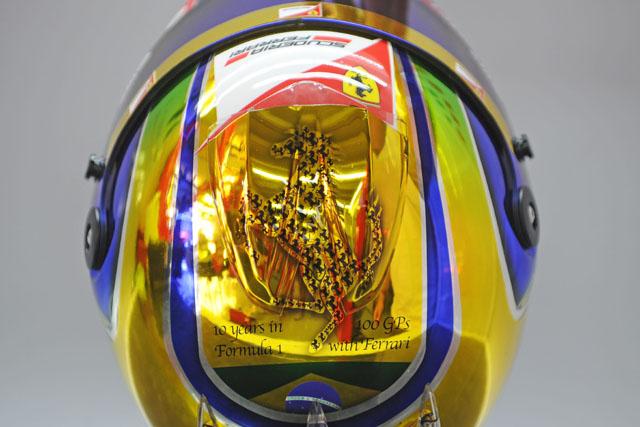 マッサ、フェラーリ100戦目に特別ヘルメット(1)