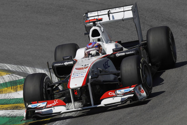 FP1でアロンソに問題、可夢偉はライバルに遅れる(1)