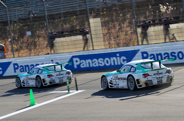 S耐もてぎ:1号車PETRONAS Z4がタイトル獲得(2)