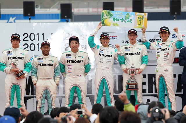 S耐もてぎ:1号車PETRONAS Z4が最終戦も勝利(1)
