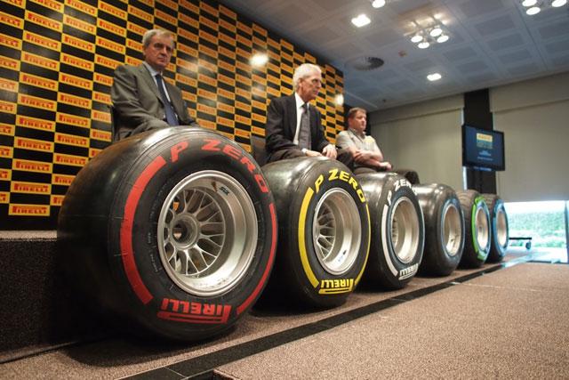 ピレリがアブダビで示した2012年タイヤへの自信(1)