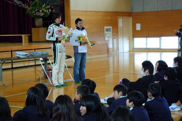 ミクZ4&谷口/片岡組が岡山の中学校を訪問(2)