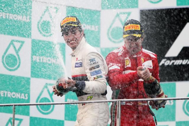 マレーシアに奇跡の涙! アロンソ優勝、ペレス2位