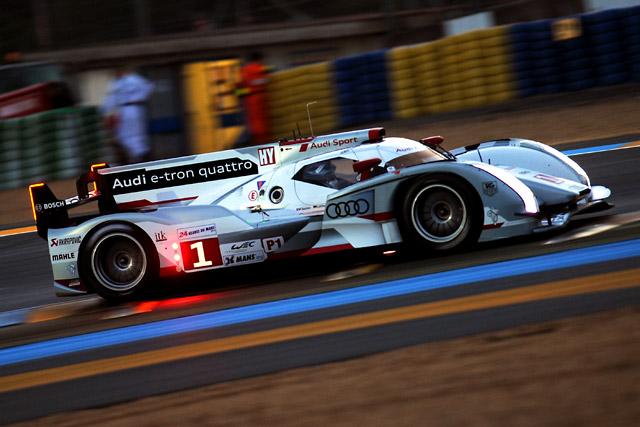 ル・マン24時間:1号車アウディが初日トップに(1)