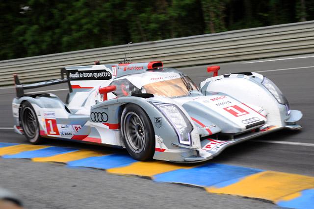 ル・マン24時間:予選2回目は3号車アウディが首位(2)