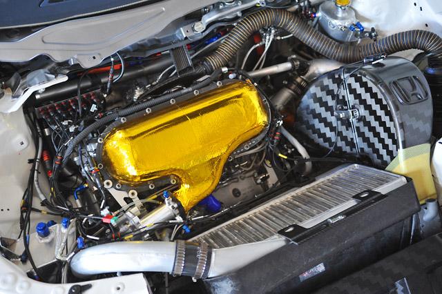 ホンダ、WTCCシビックの心臓部・HR412Eを公開(1)