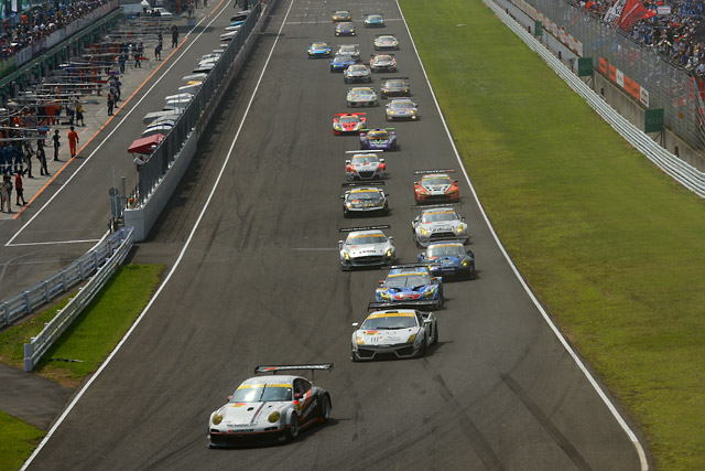 S Road NDDP GT-R、激戦を制しGT300初勝利!(2)