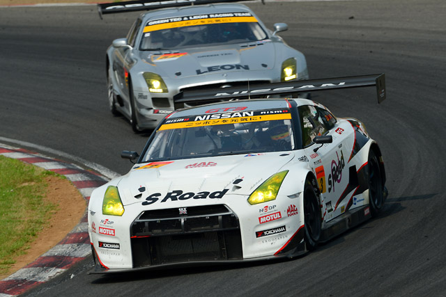 S Road NDDP GT-R、激戦を制しGT300初勝利!(3)