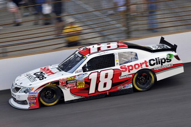 NASCARネイションワイド:トヨタはハムリン4位(1)
