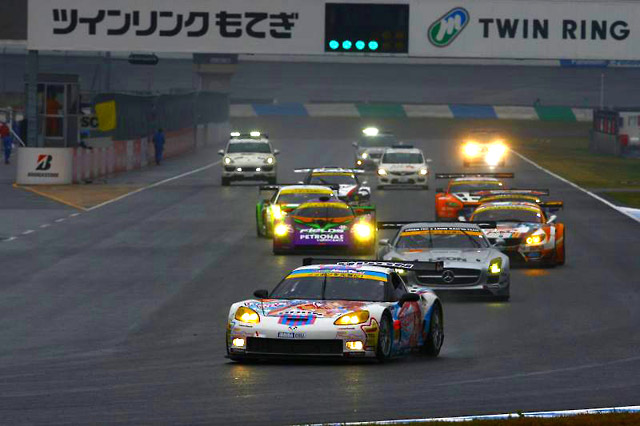 DIJON Racing、SGT最終戦は上位走行も追突喫す(3)
