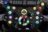 F1 | 爆笑必至!? ロータスE21のステアリングにネタ満載