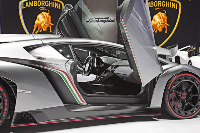 ランボルギーニ、超希少モデル『ヴェネーノ』を公開(3)