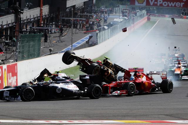 F1違反点数システムが承認、2014年に導入へ(1)