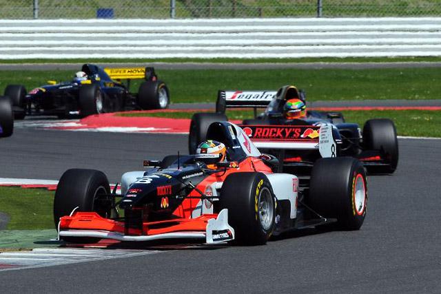 元F1ドライバーのクリエン、AUTO GPに参戦へ(2)